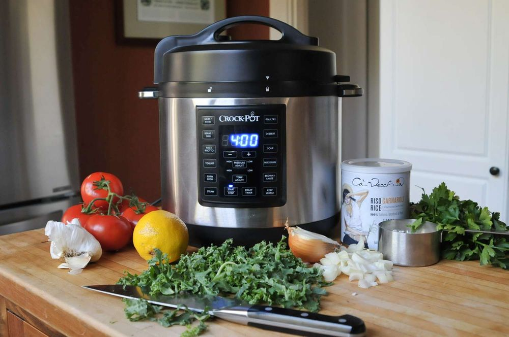 An electric pressure cooker
